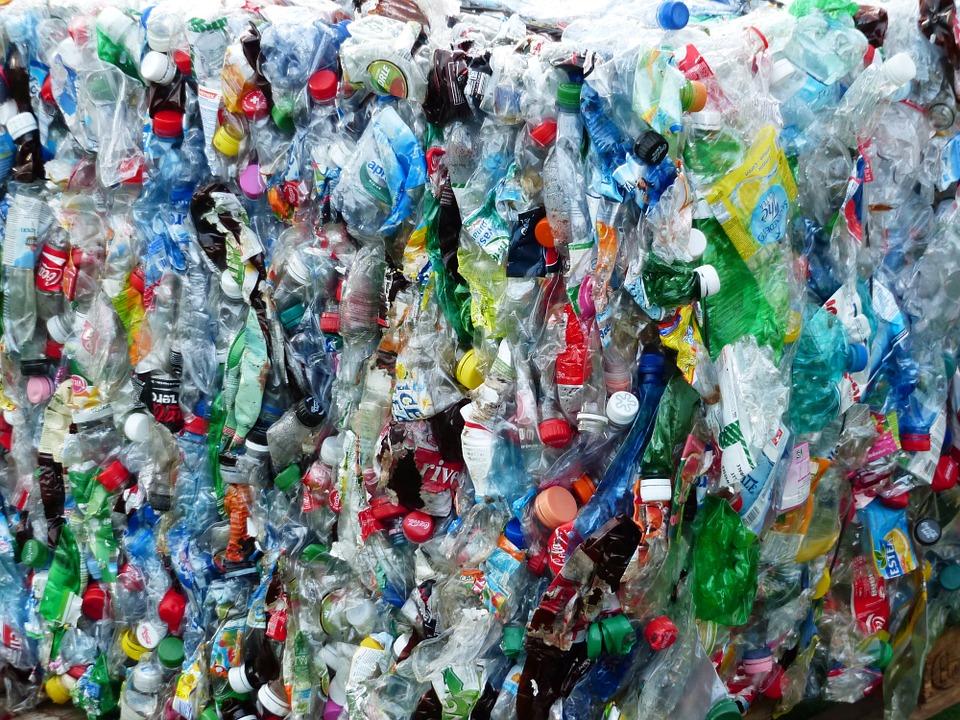 sticle plastic reciclare